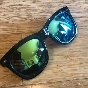 Reflective sunglasses and holder